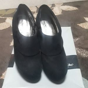 Black wedge shoes faux suede